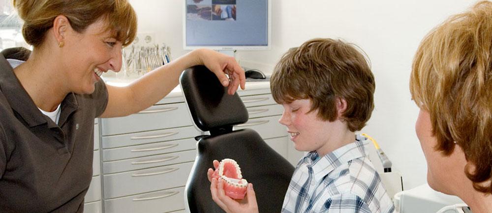 Zahnarzt Dr. Homann Bocholt - Kieferorthopädie